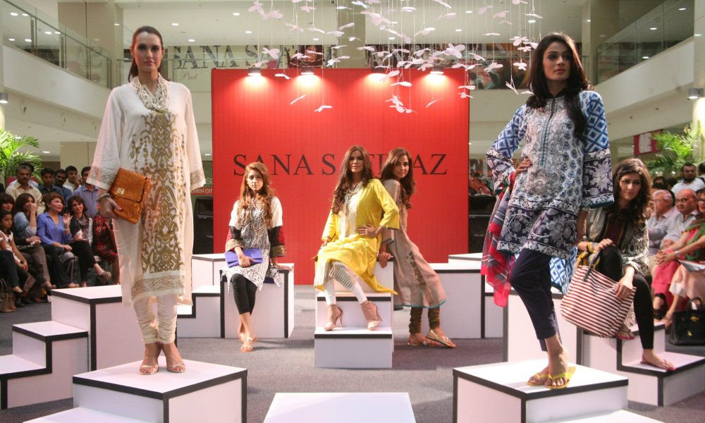 Sana Safinaz Winter Collection